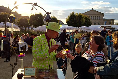 Seidenpapier-Blumenmanufaktur – Schlossplatzfest Coburg