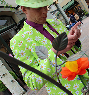 Seidenpapier-Blumenmanufaktur - im Wertheim Village